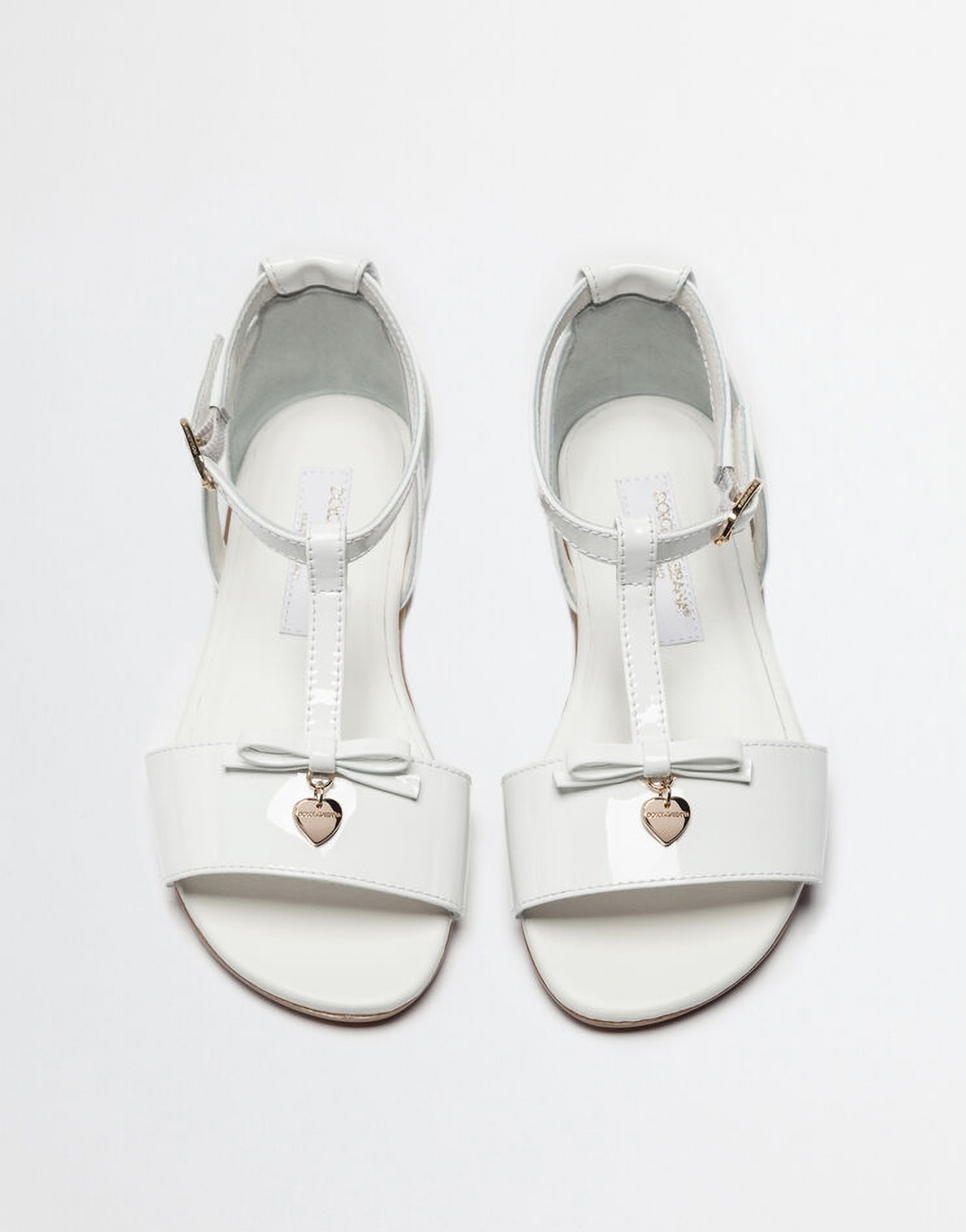 PATENT SANDAL WITH BOW